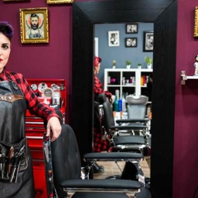 Profesional del Mes: Yoli, the Barber