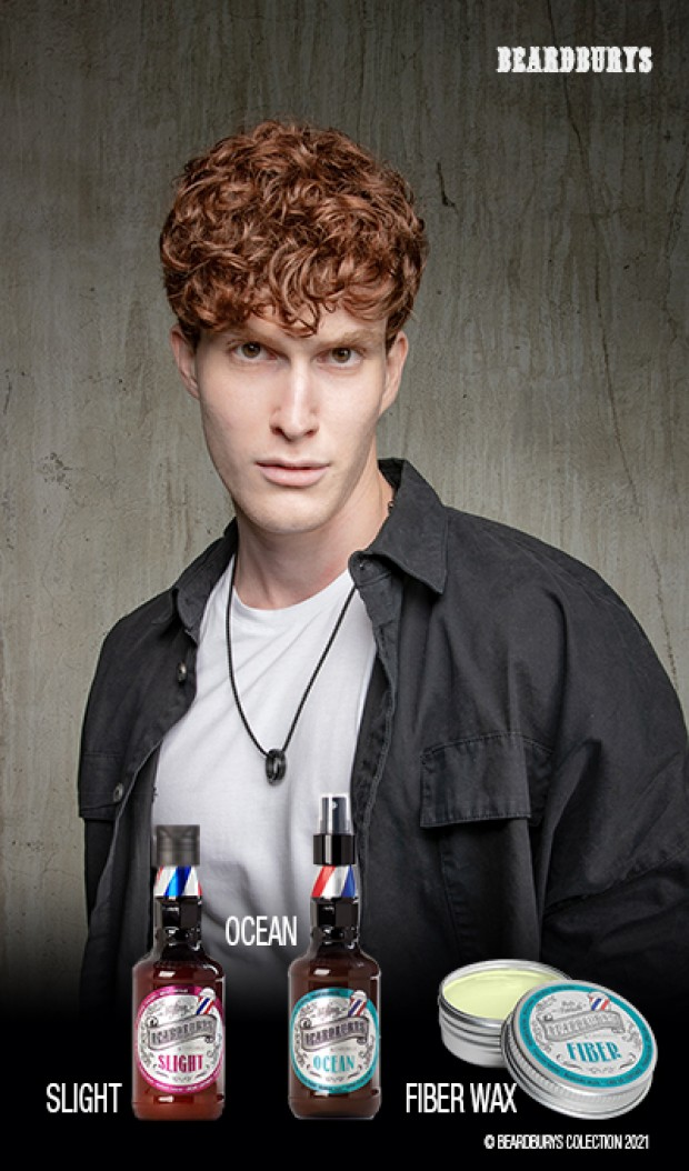 <strong>CURLY hair</strong>